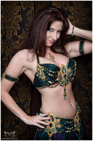 Amustela, Belly Dancer
