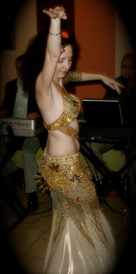 Noor-Jihan, Belly Dancer